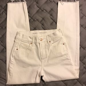 OLD NAVY Perfect Straight Mid-Rise Frayed Hem